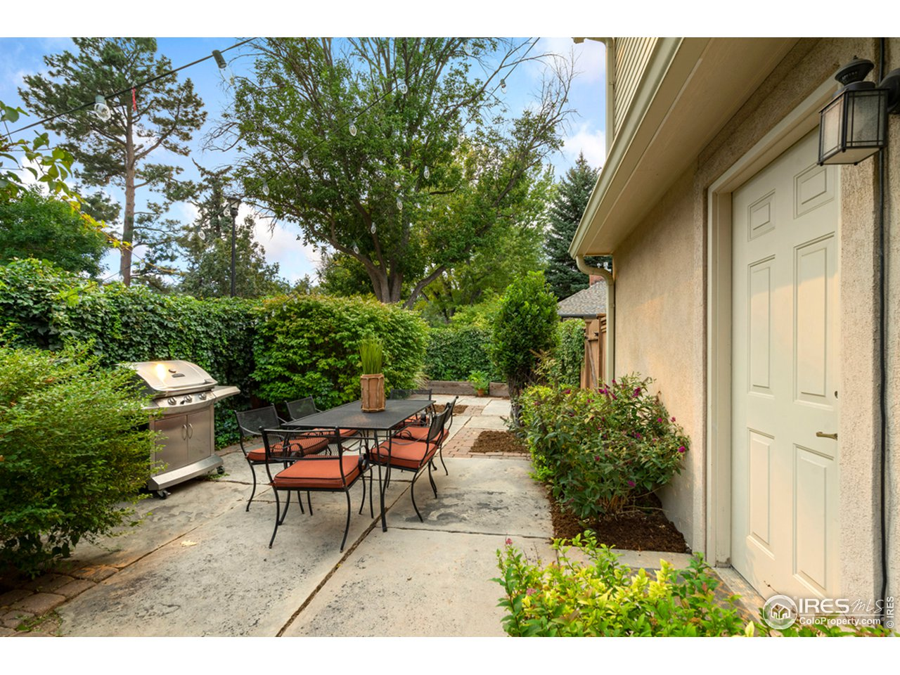 Side Yard with access off Office