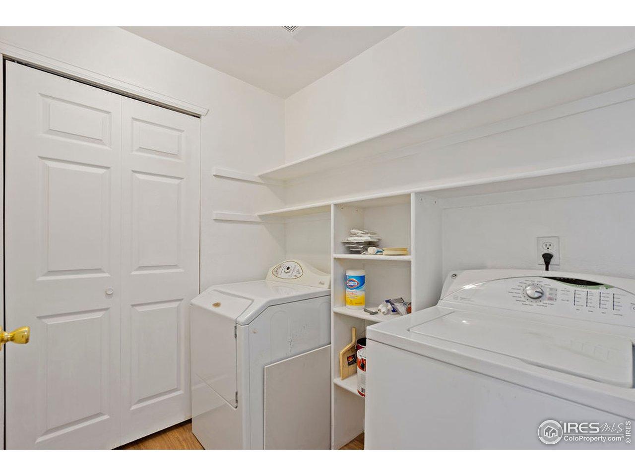 Laundry room w/ storage