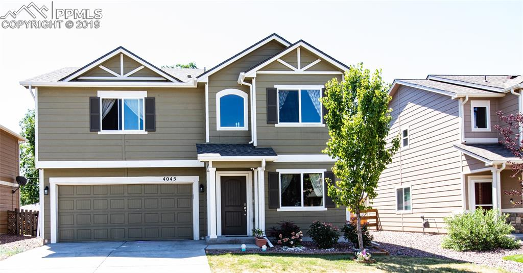 COMFORTABLE 3 BEDROOM 3 BATH HOME CLOSE TO PETERSON AND FT. CARSON.