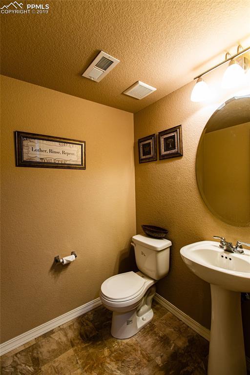MAIN LEVEL BATHROOM.