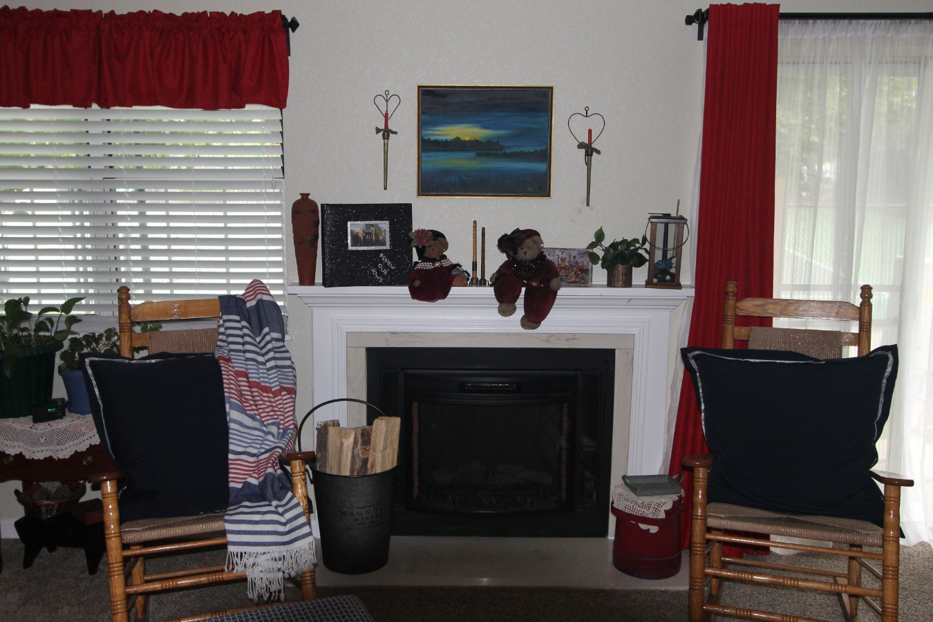 Fire Place w/Electric insert Flames & Heat