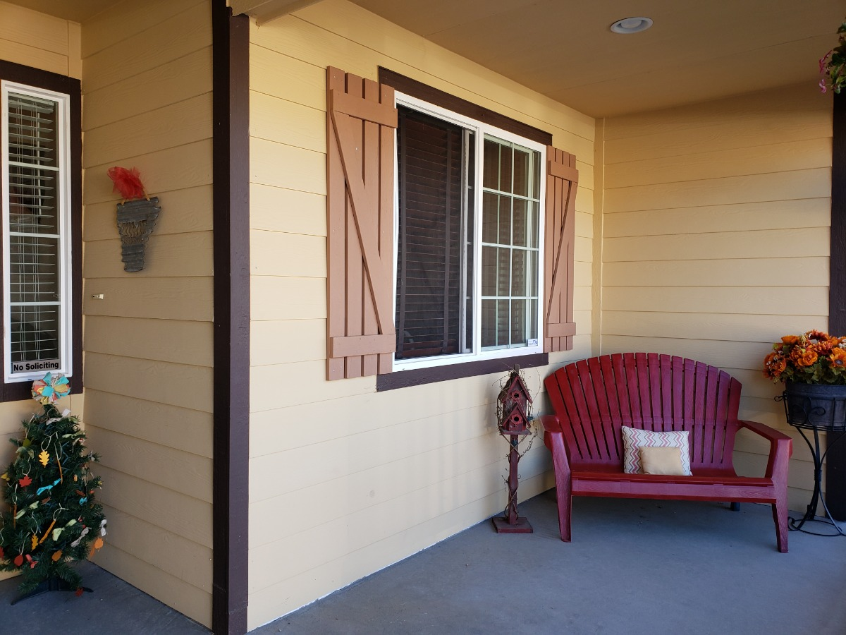 Welcoming Porch for relaxing