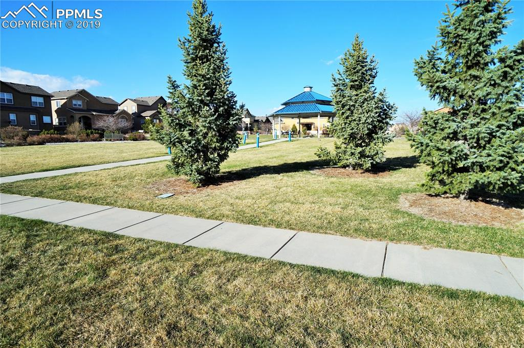 Only 3 houses away from Parkwood Park and walking trails.