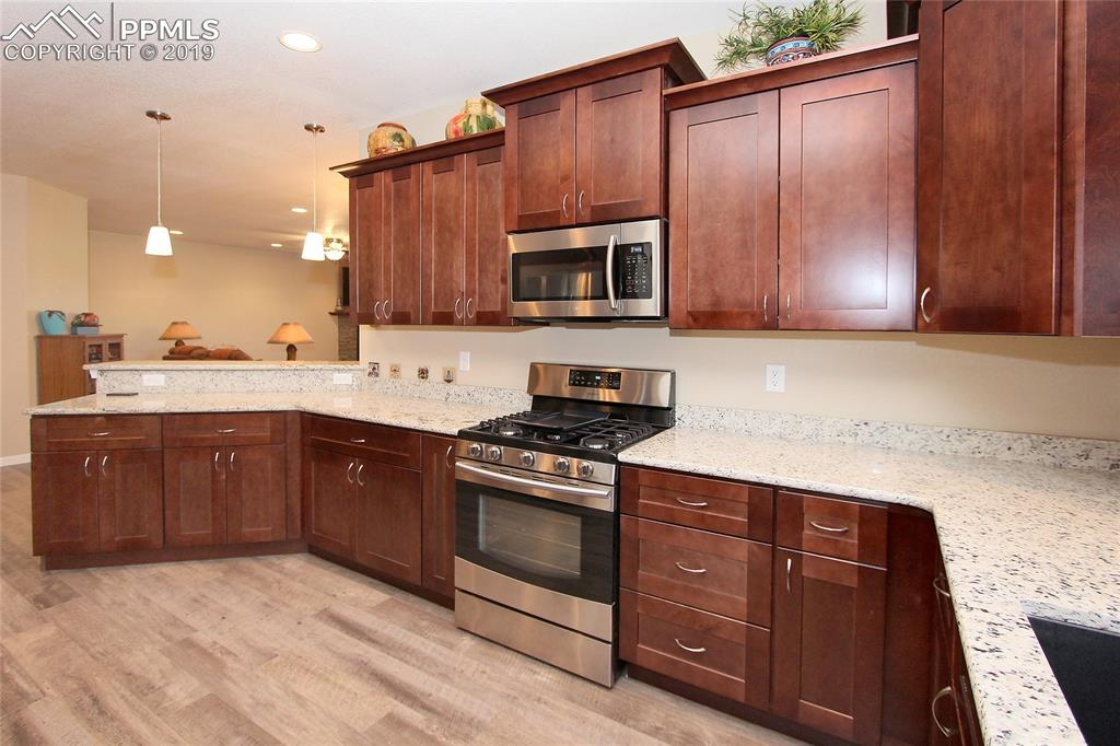 Plenty of storage in this large kitchen with GAS stove!!!