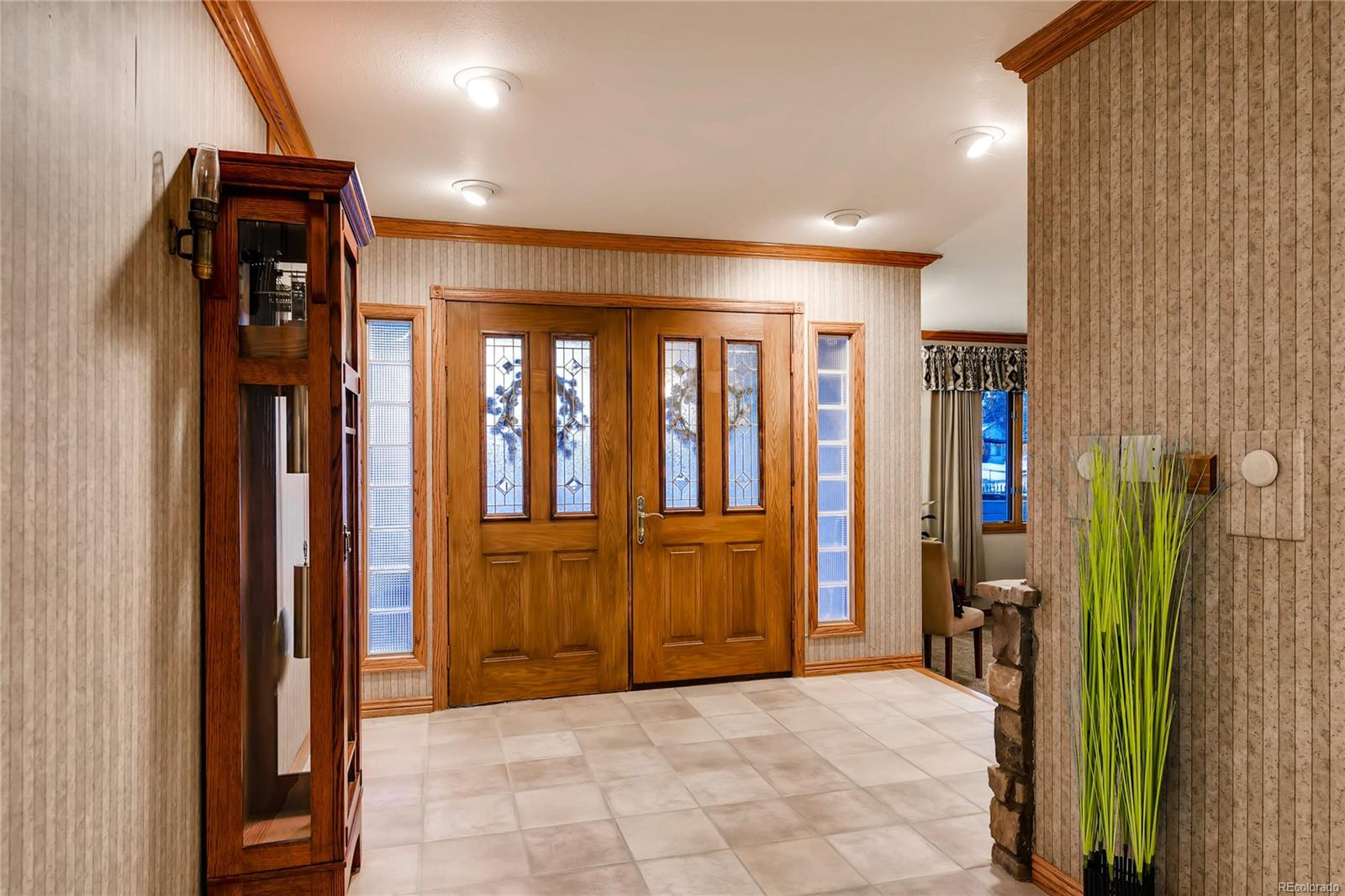 Bright and Airy entryway.