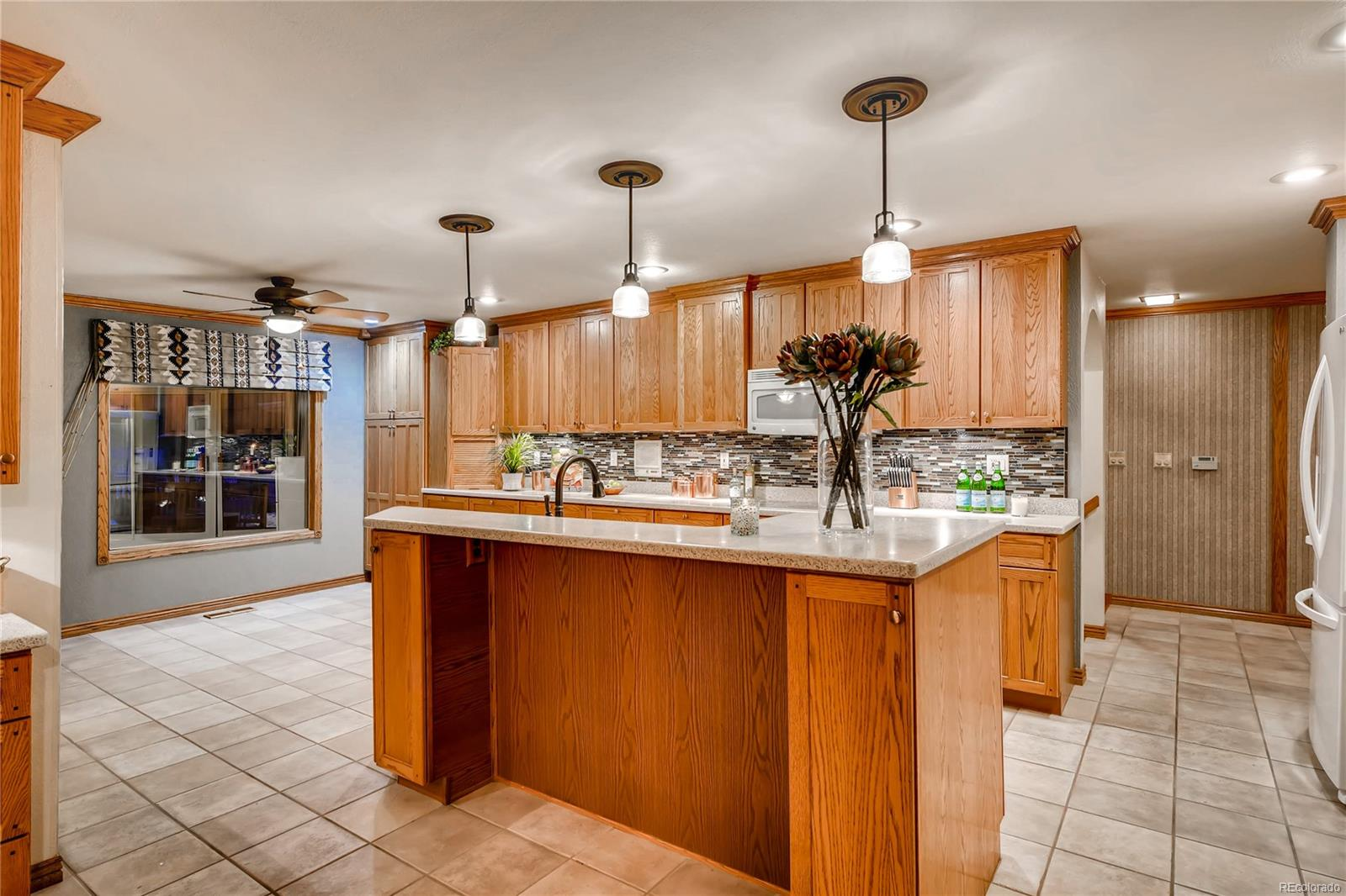 Large, eat-in Kitchen perfect for entertaining and family meals.