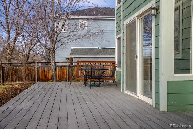 Large composite deck for entertaining!