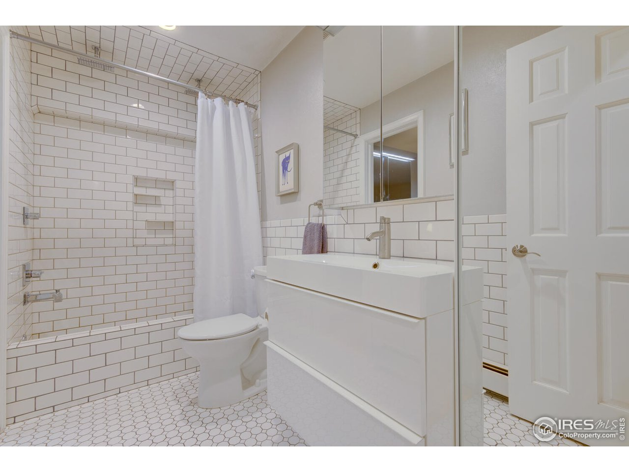 Fully Updated Bathroom