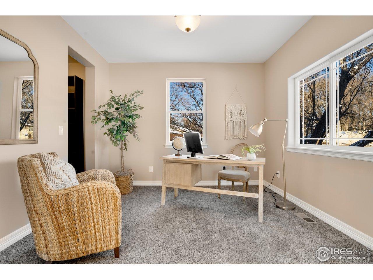 Study/Den or Conforming bedroom