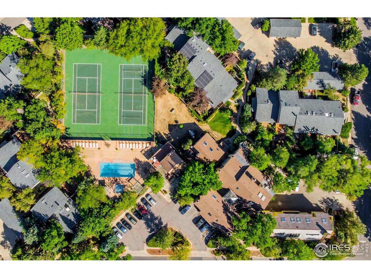 HOA Tennis Courts