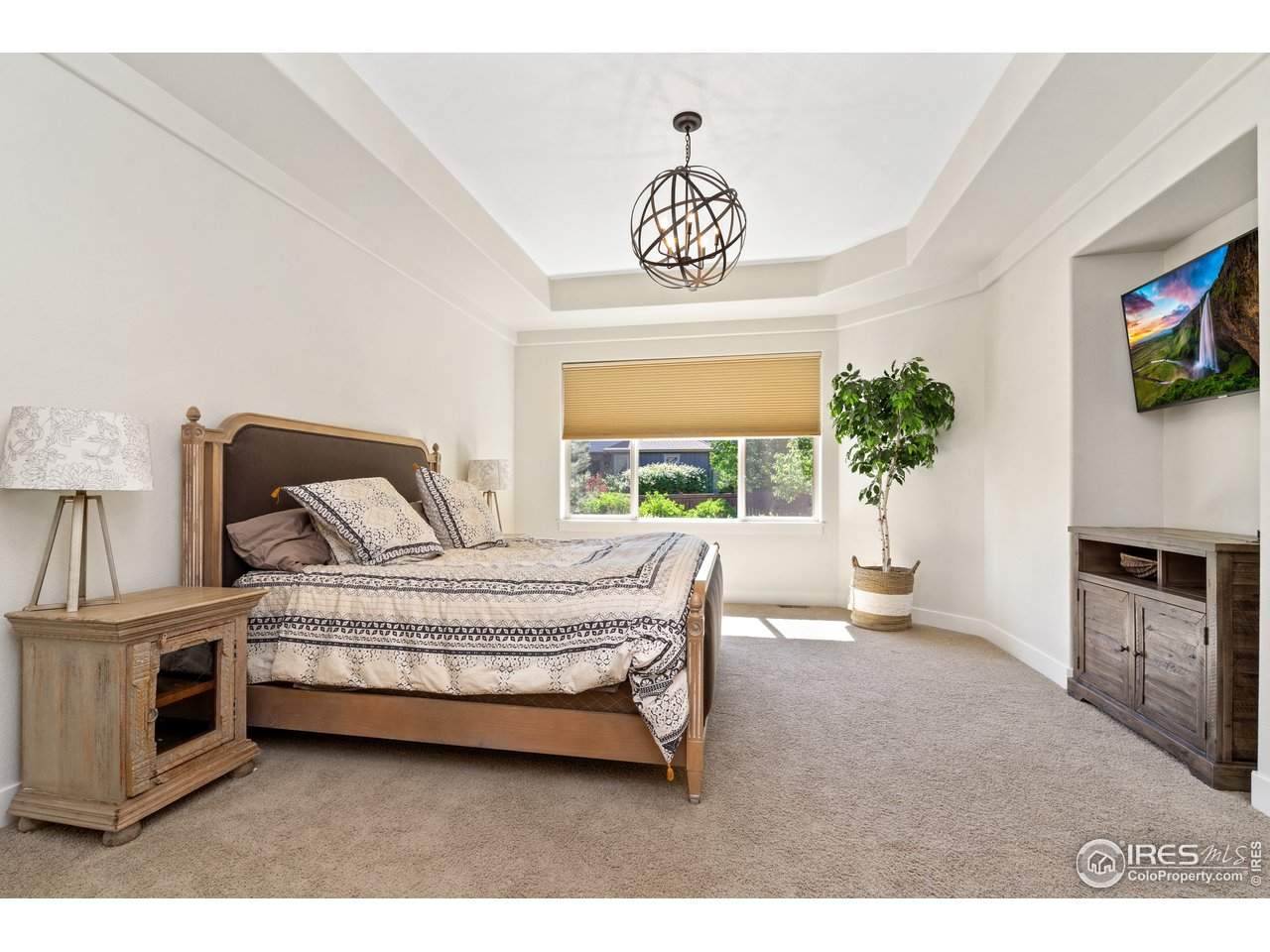 Master Suite with Coffered Ceiling