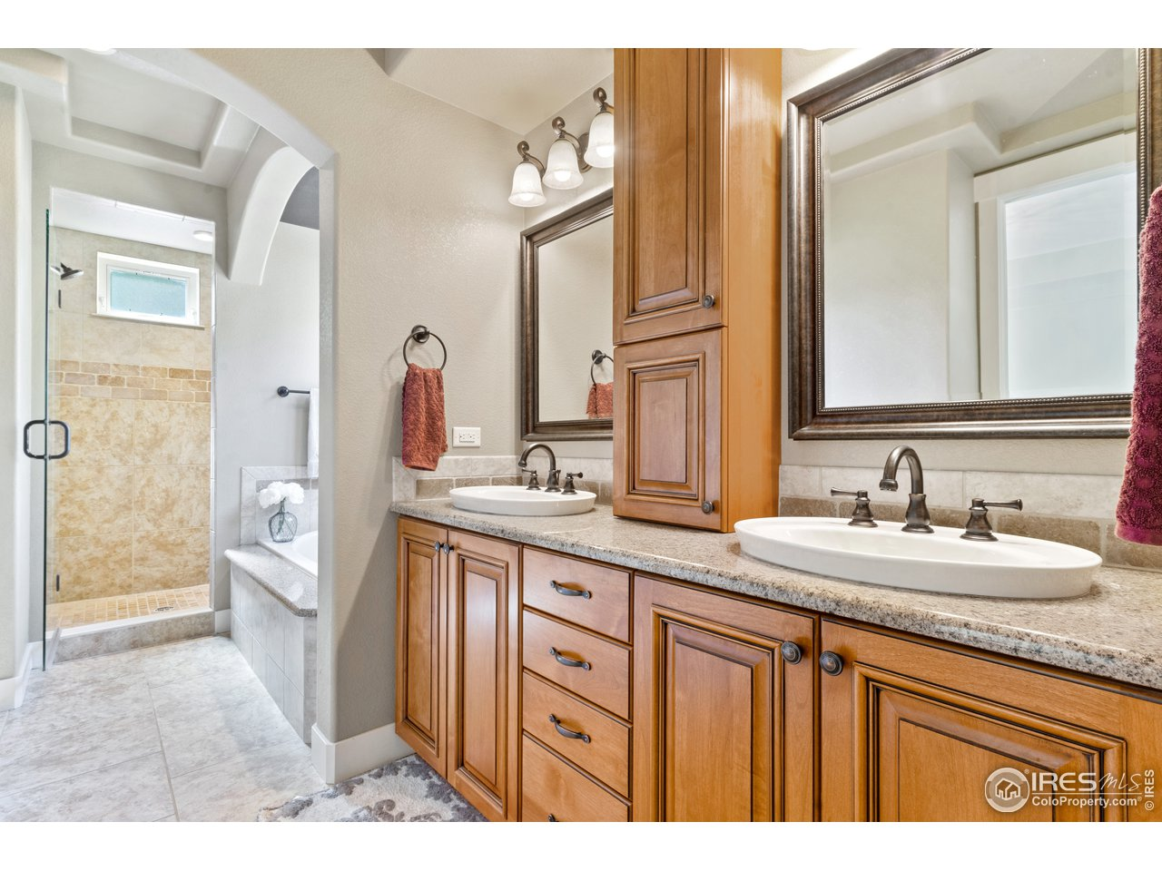 Luxury en suite Master bathroom