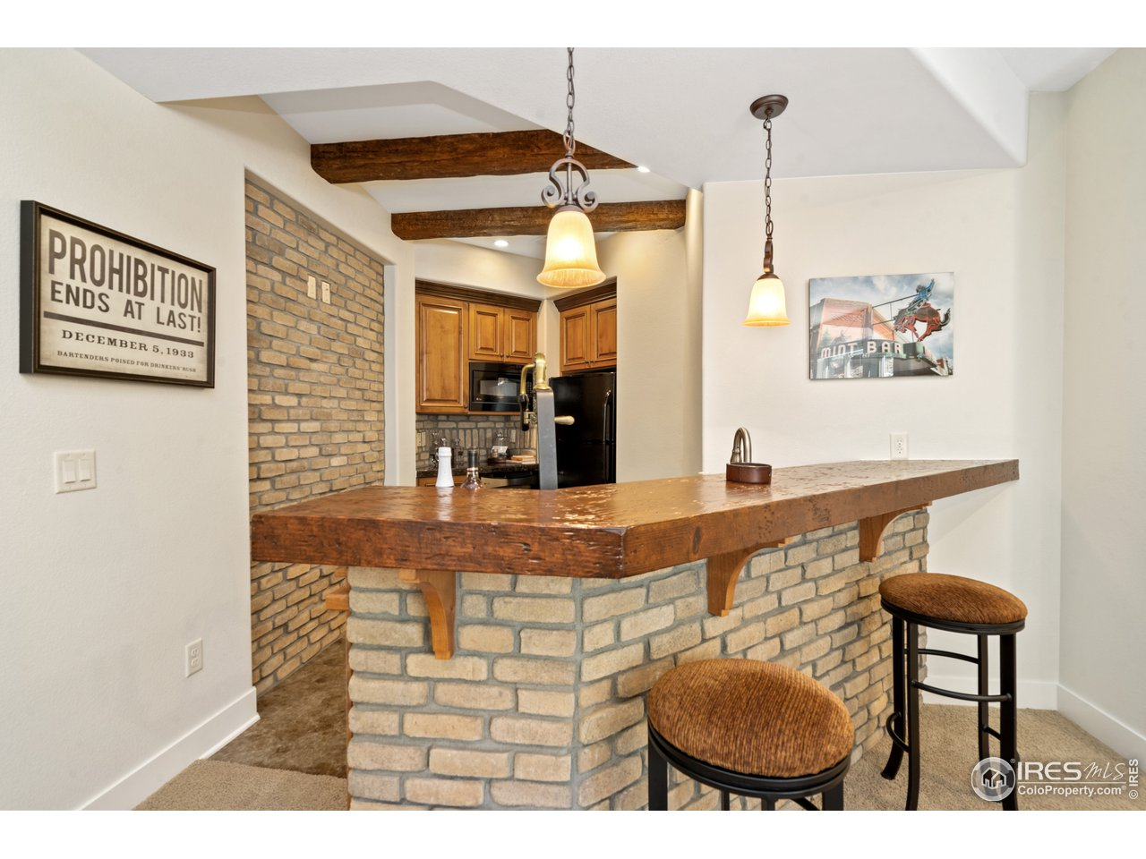 Awesome Wet Bar