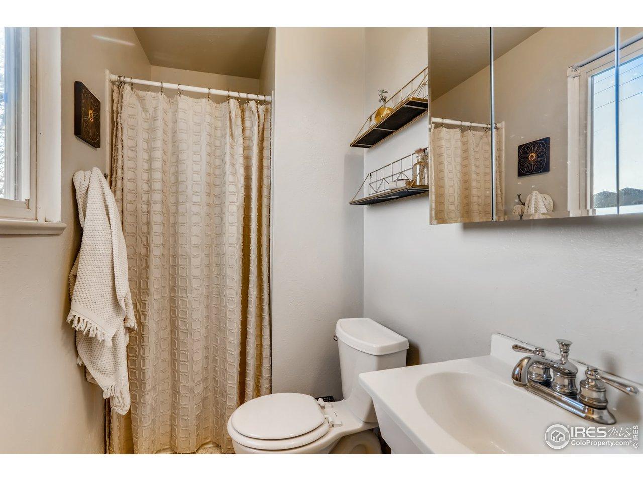 Bedroom 2/Upper