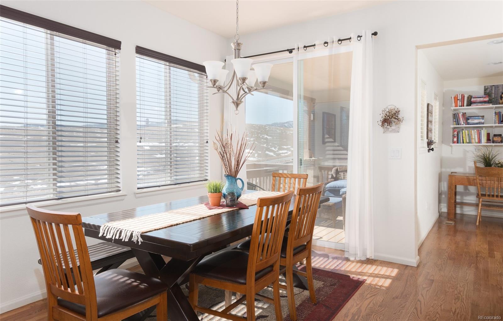 Breakfast/Dining area adjacent to kitchen