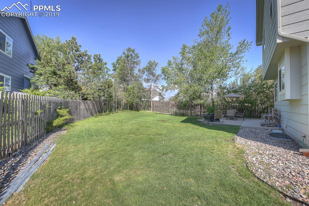 Big backyard with Aspen grove and mountain views!