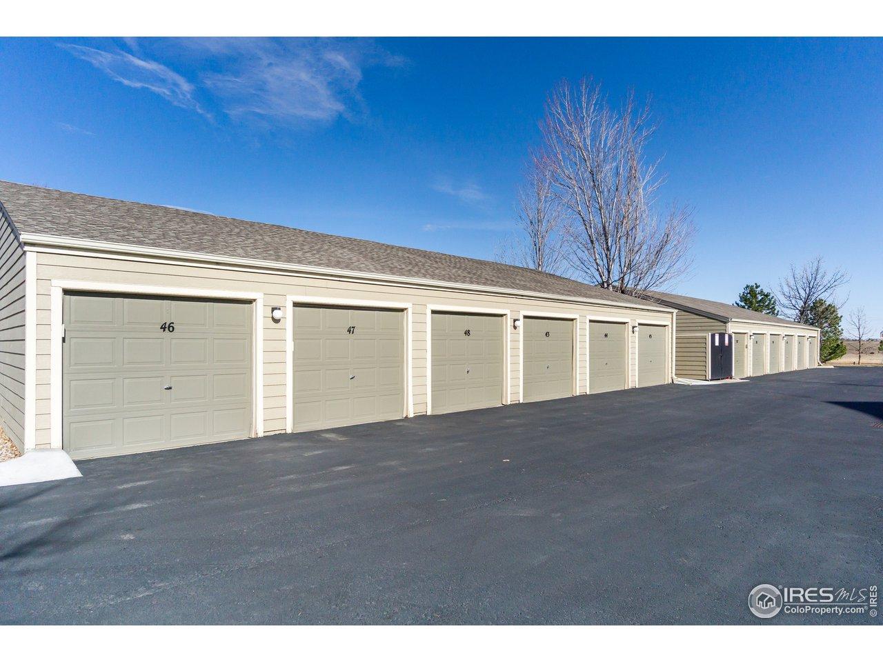 End unit one car garage