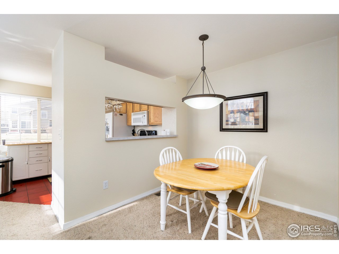 Separate dining and kitchen pass through