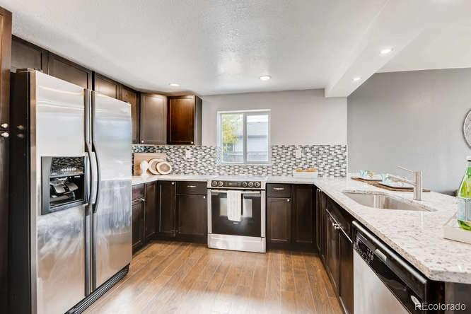 Open concept... perfect for entertaining!