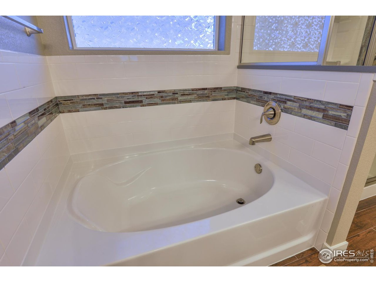Custom Tile Showers and Tubs