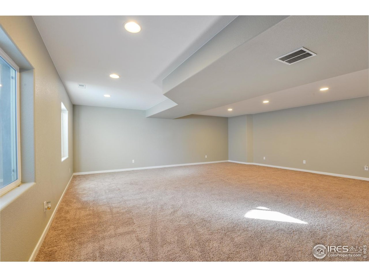 Huge Basement Rec Room