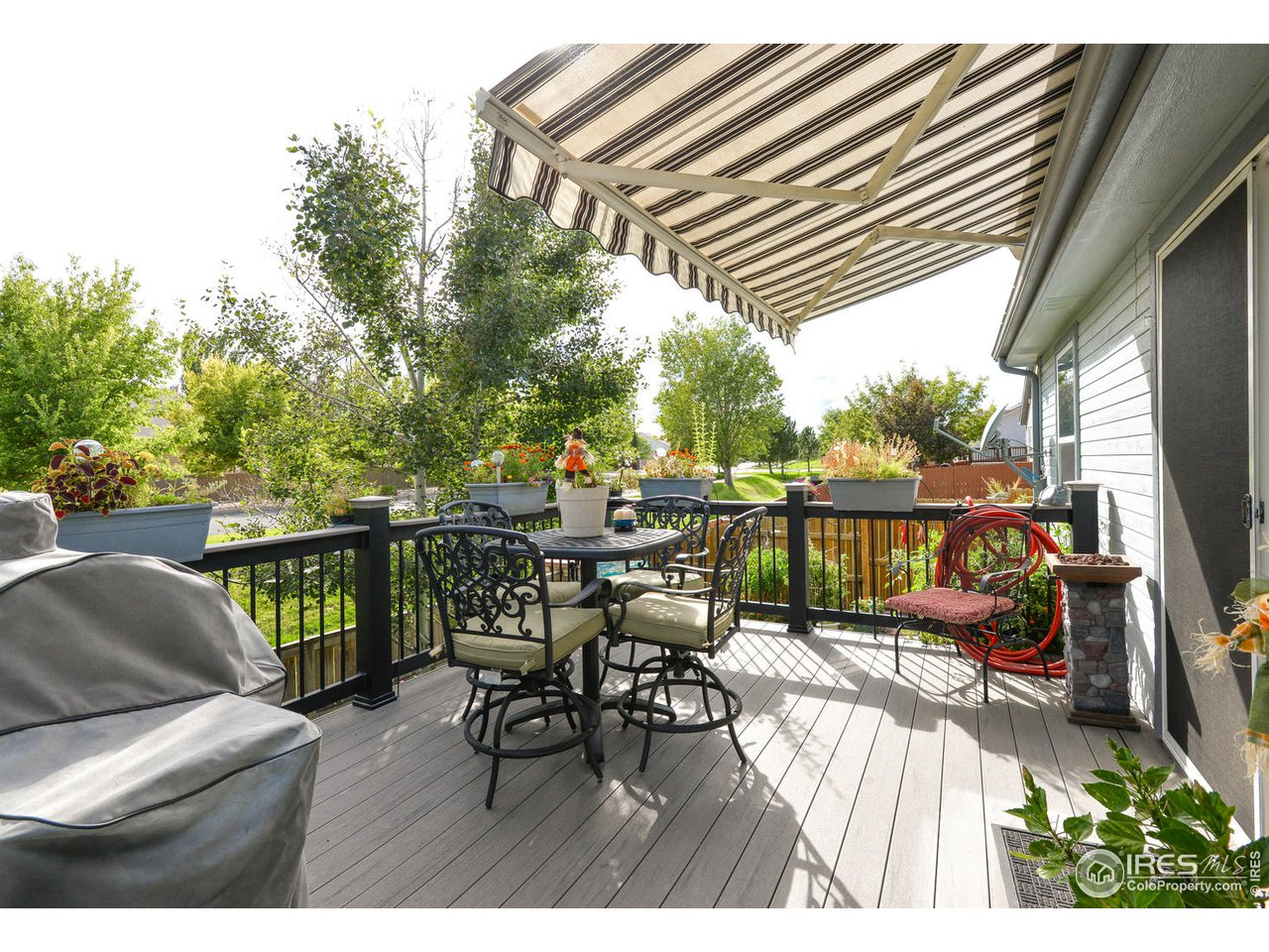 Trex Deck w/ Retractable Awning