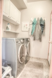 Laundry/Mud Room (W/D included)