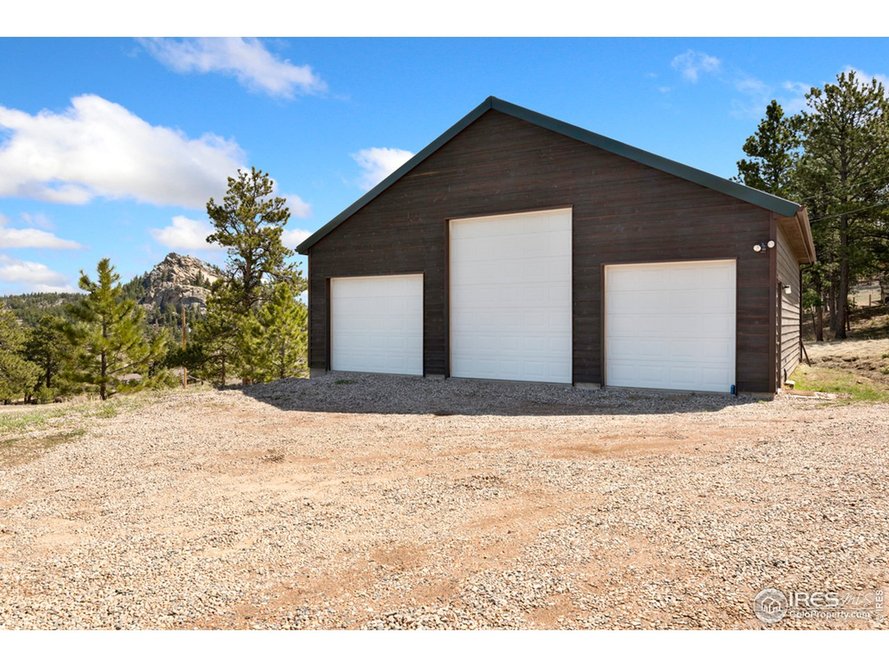 Situated on over 4 acres