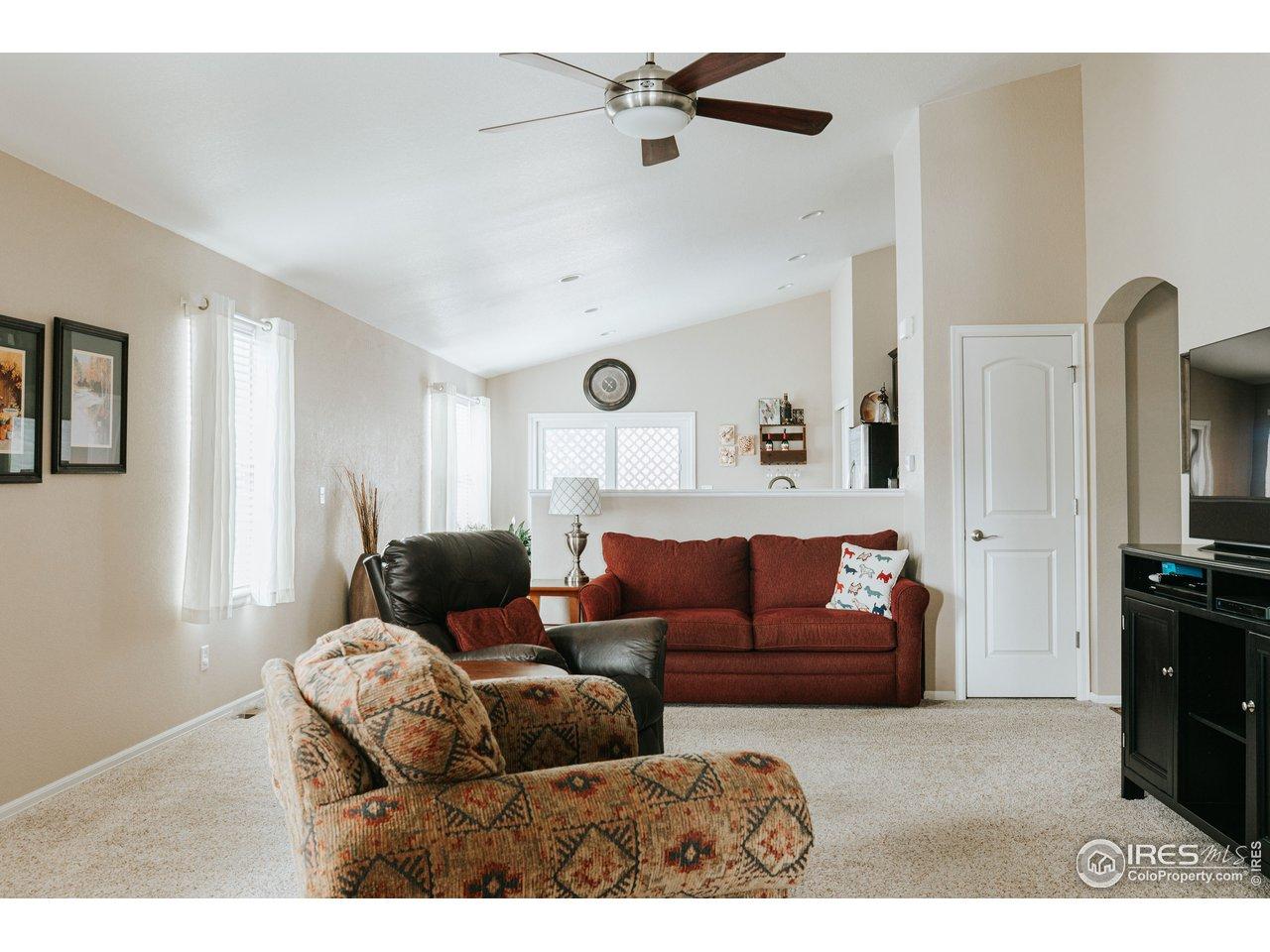 Open floor plan & high ceilings