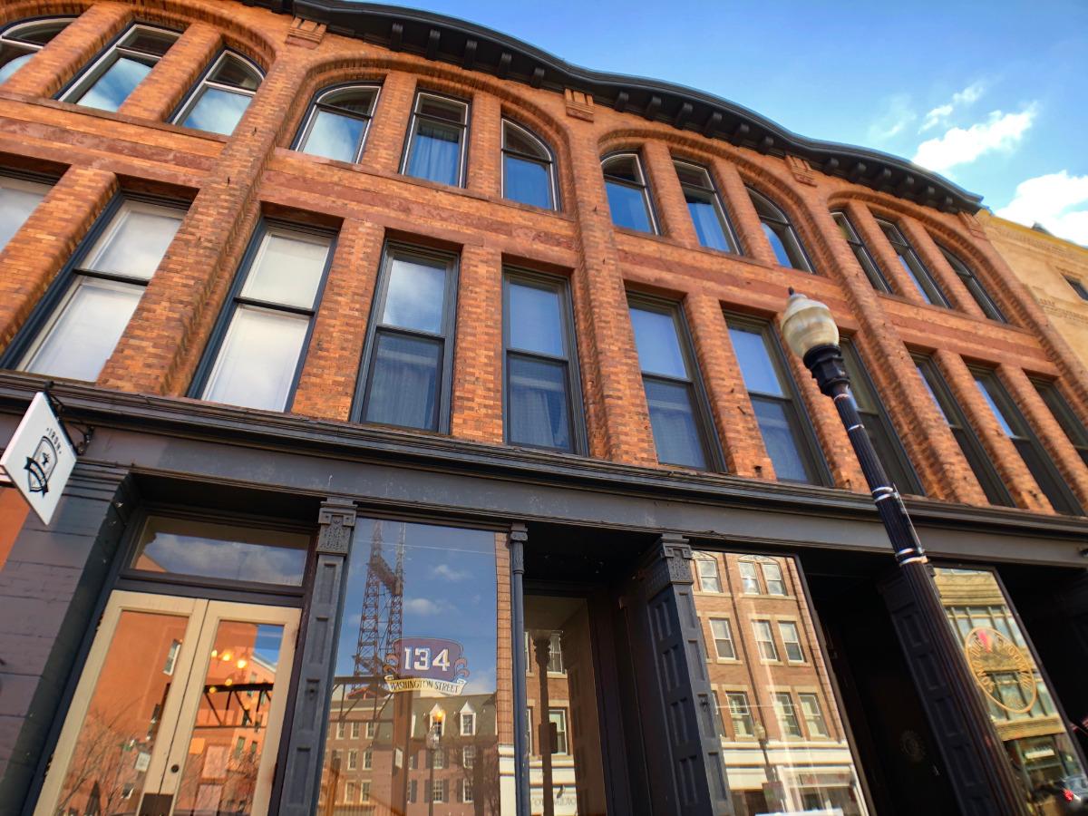 134 Washington Street Unit 203 1 BEDROOM LOFT CONDO FOR SALE
