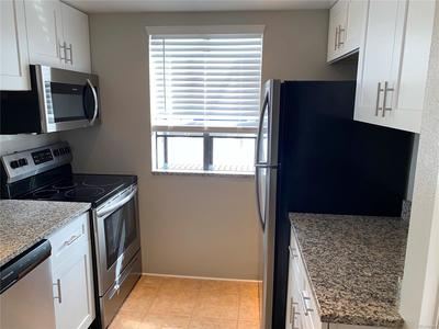 Newly Updated Kitchen With All New Appliances!