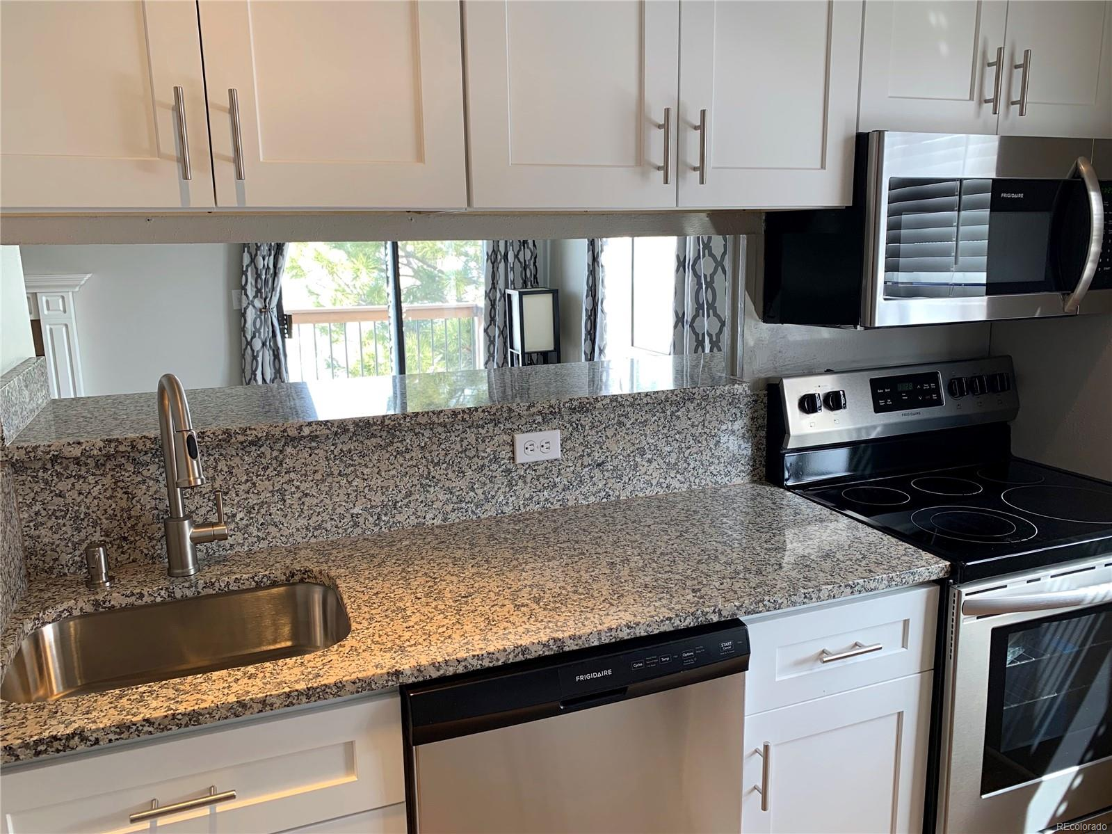 Beautiful New Granite and New Cabinets