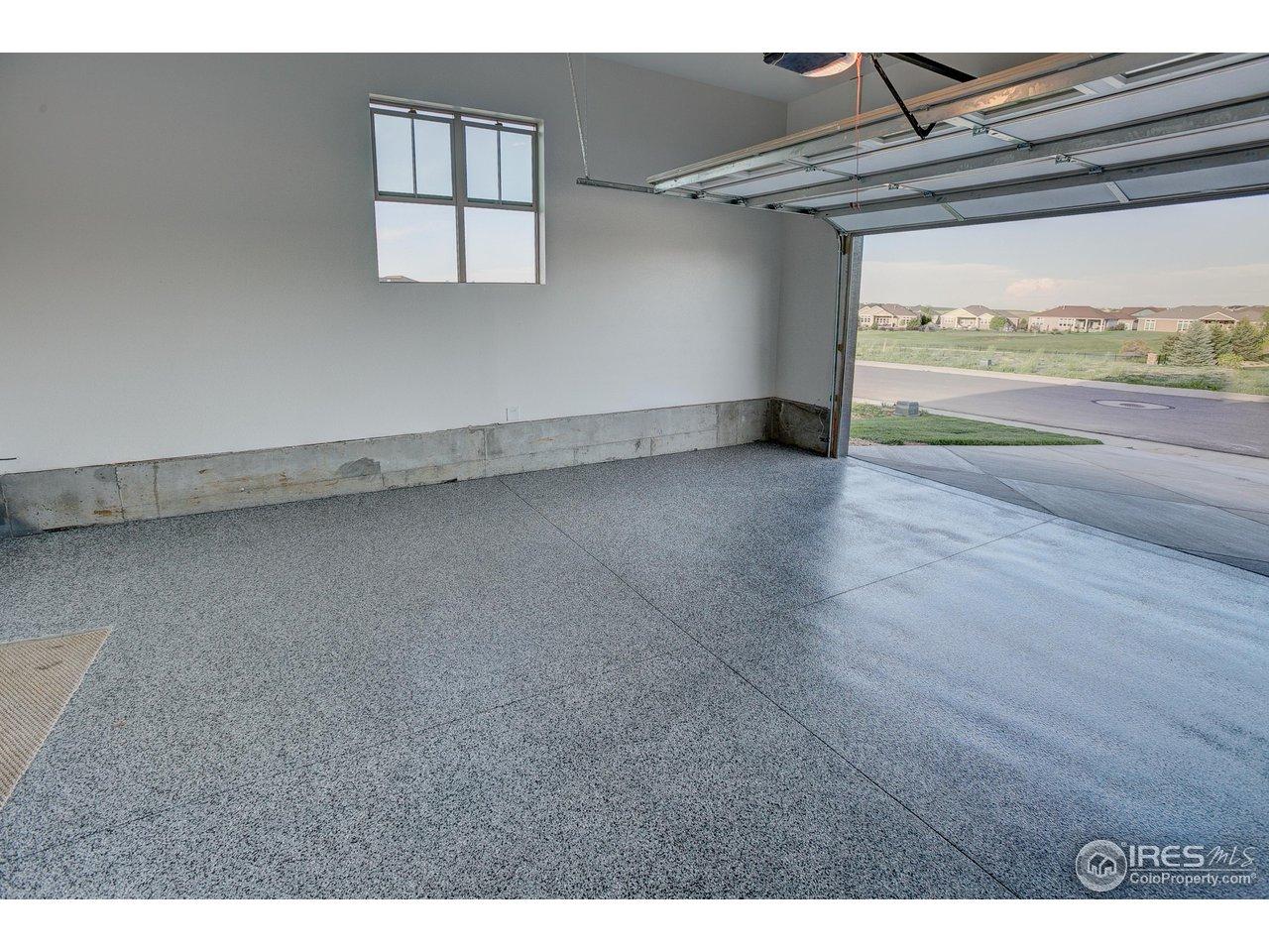 Polyaspartic coating  in garage