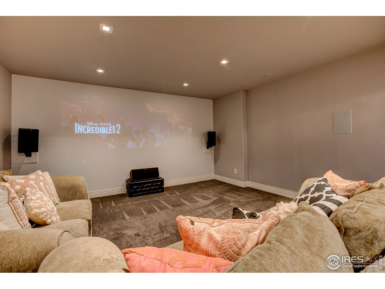 Basement theatre w/ projector