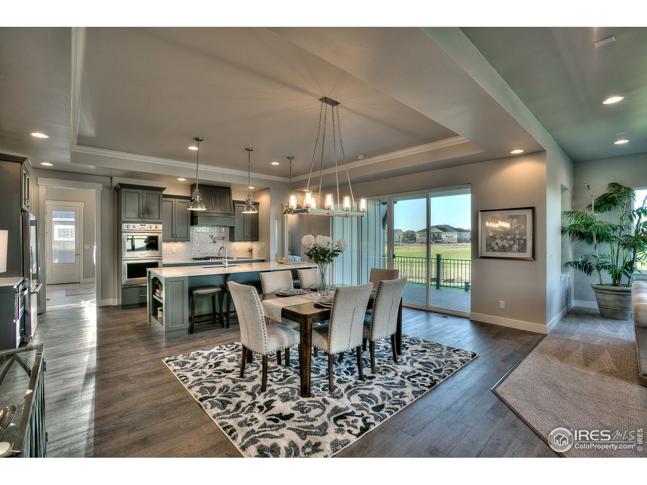 Gourmet kitchen&designer finishes (to be selected)