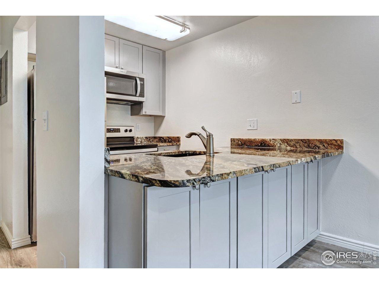 Kitchen sideview