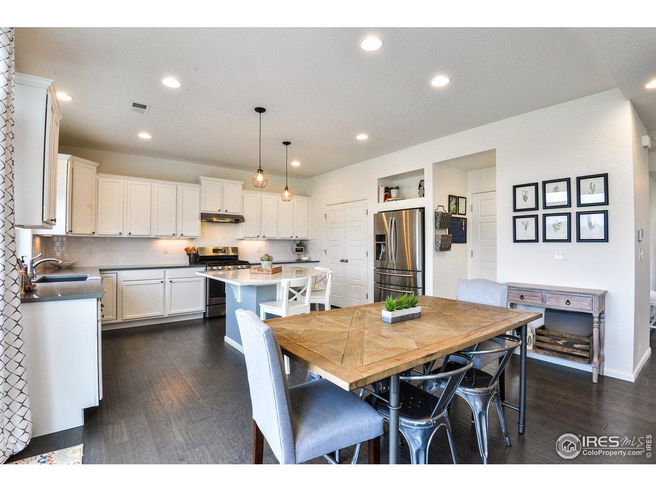 Large Bright Kitchen, Quarts Counters