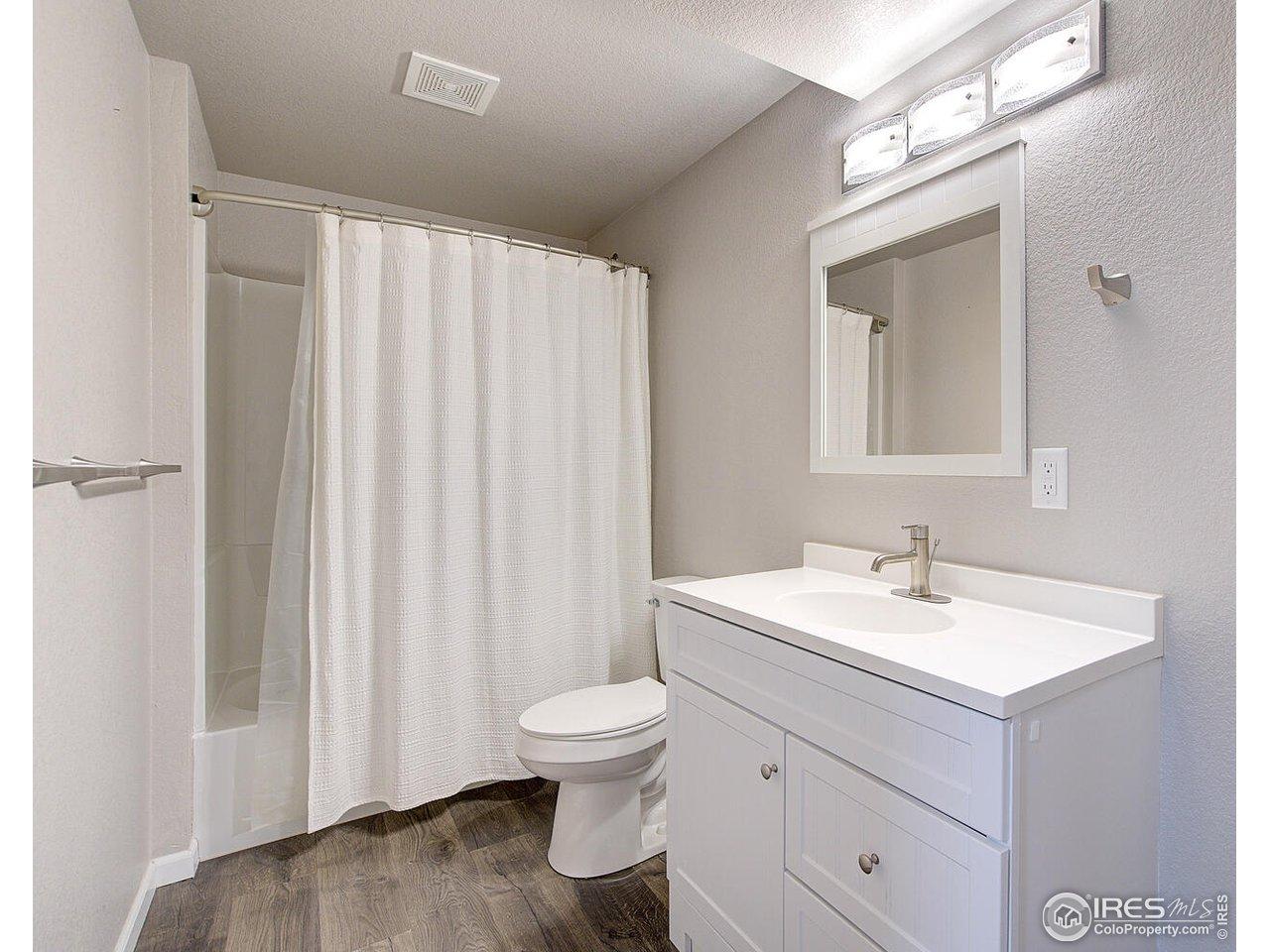 Owner suite full bathroom