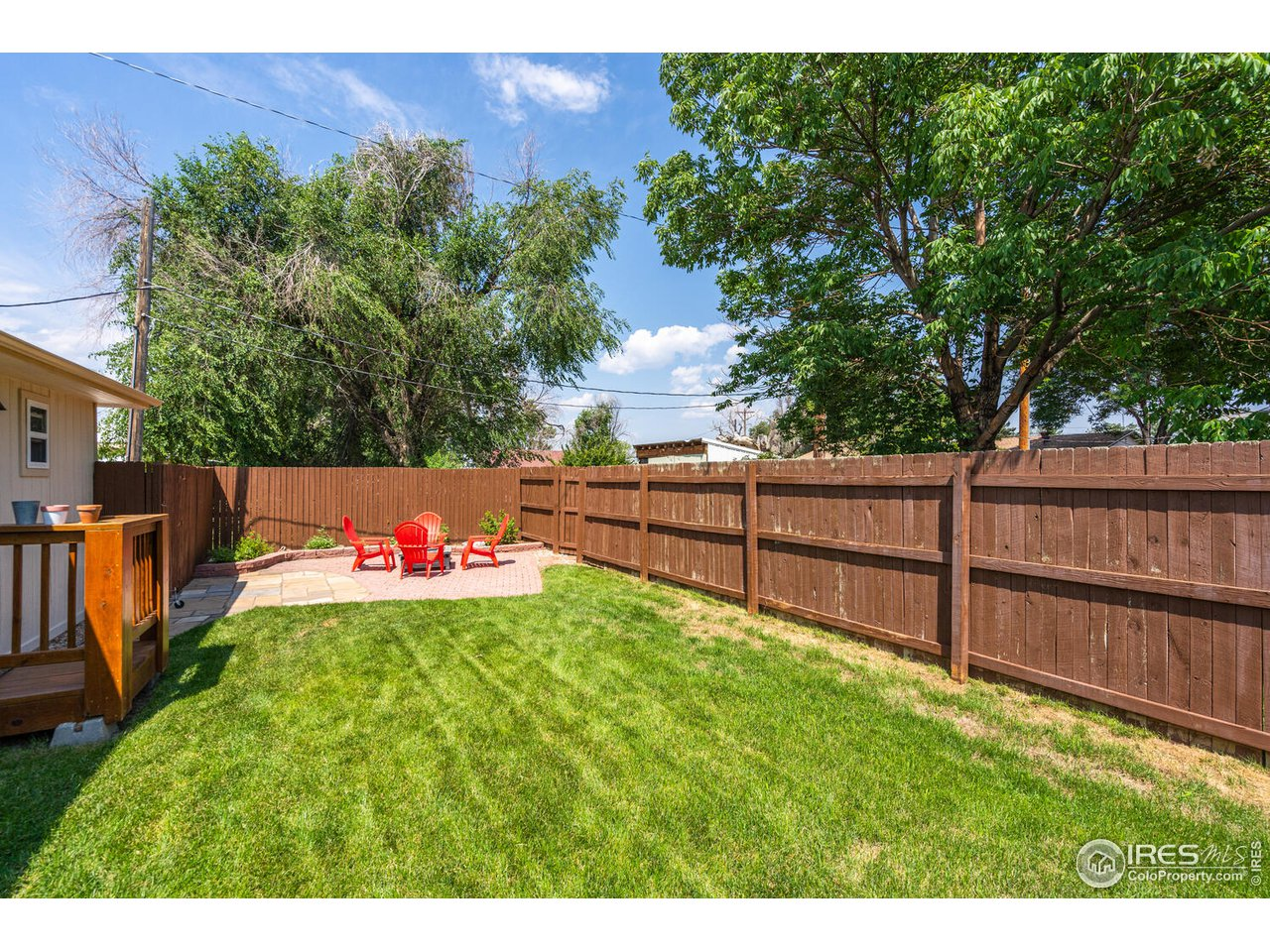 Guest house offers a private fully fenced backyard!