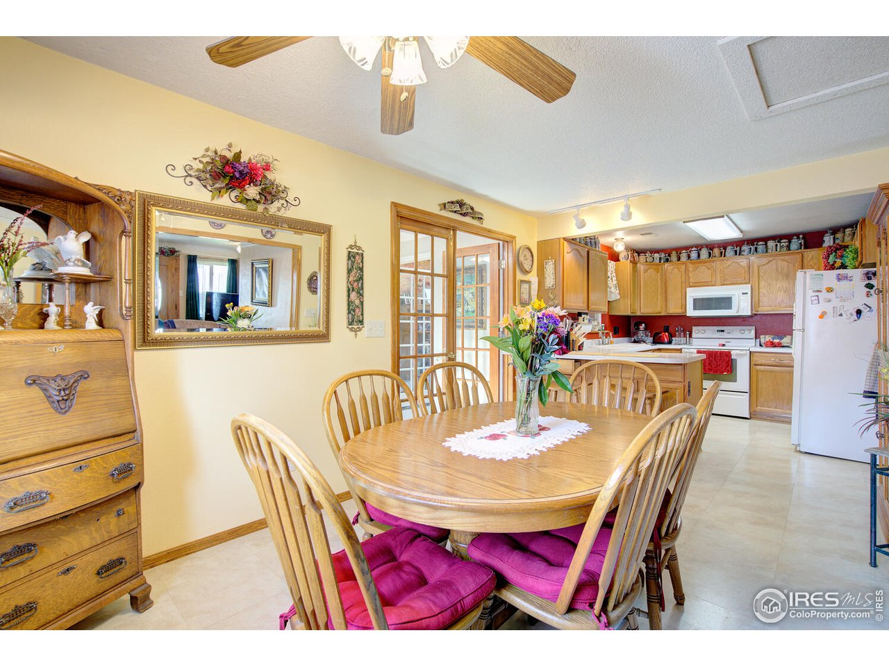 All appliances included even the freezer in the laundry room and garage fridge!