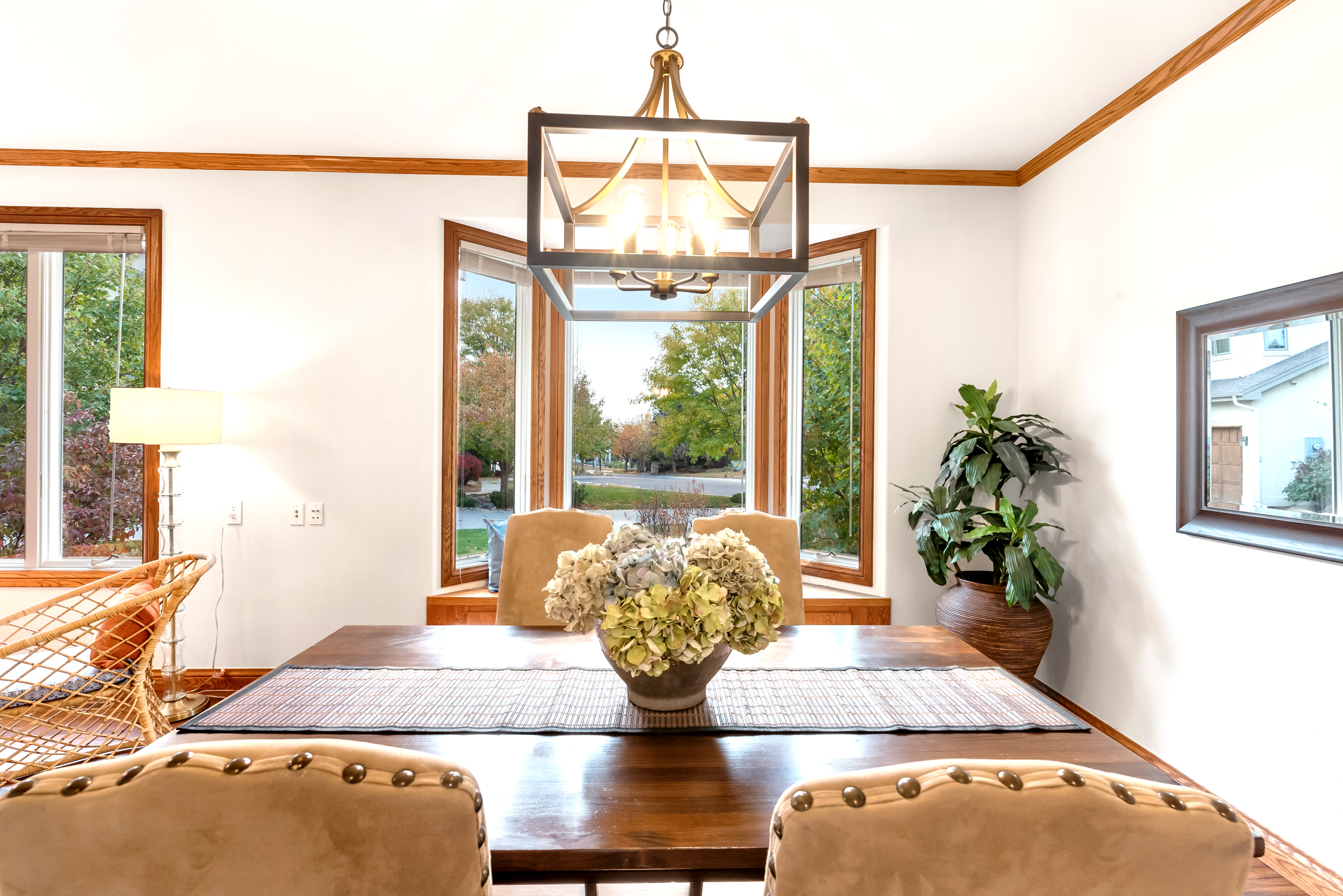 Dining Room with Bay Window Seat