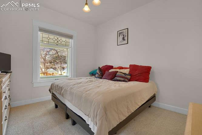 REC ROOM WITH WALK OUT* FULL BATH ADJOINS