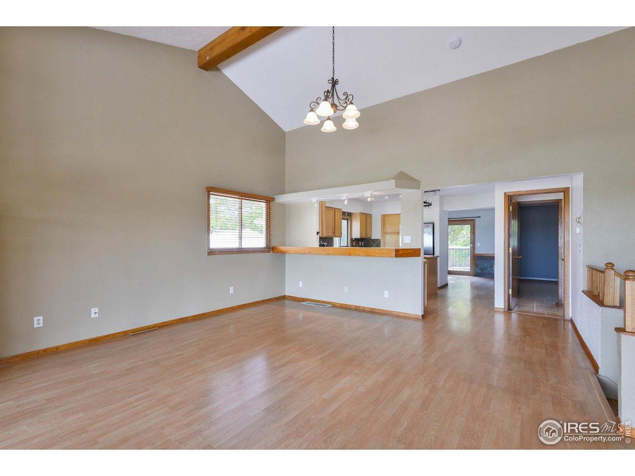 Durable laminate floors