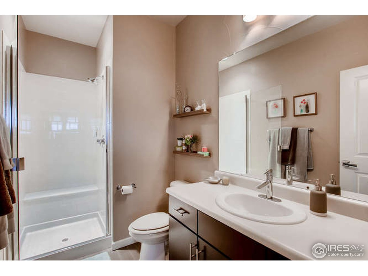 Ensuite guest bathroom