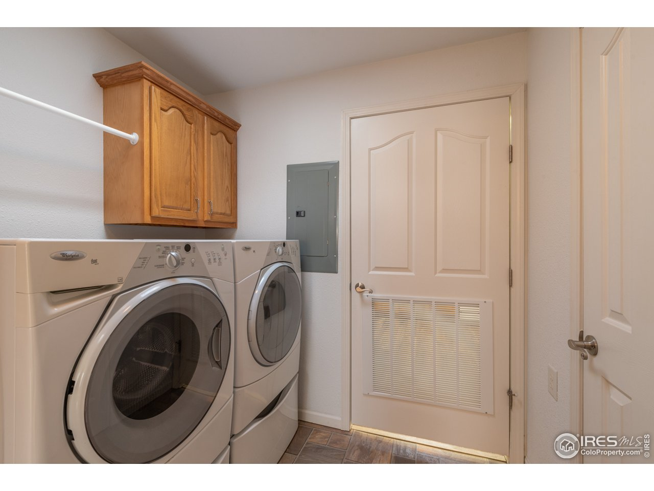Laundry room. Washer/dryer included
