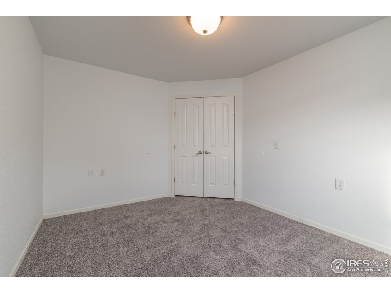 NON CONFORMING 3rd Bedroom/office/den