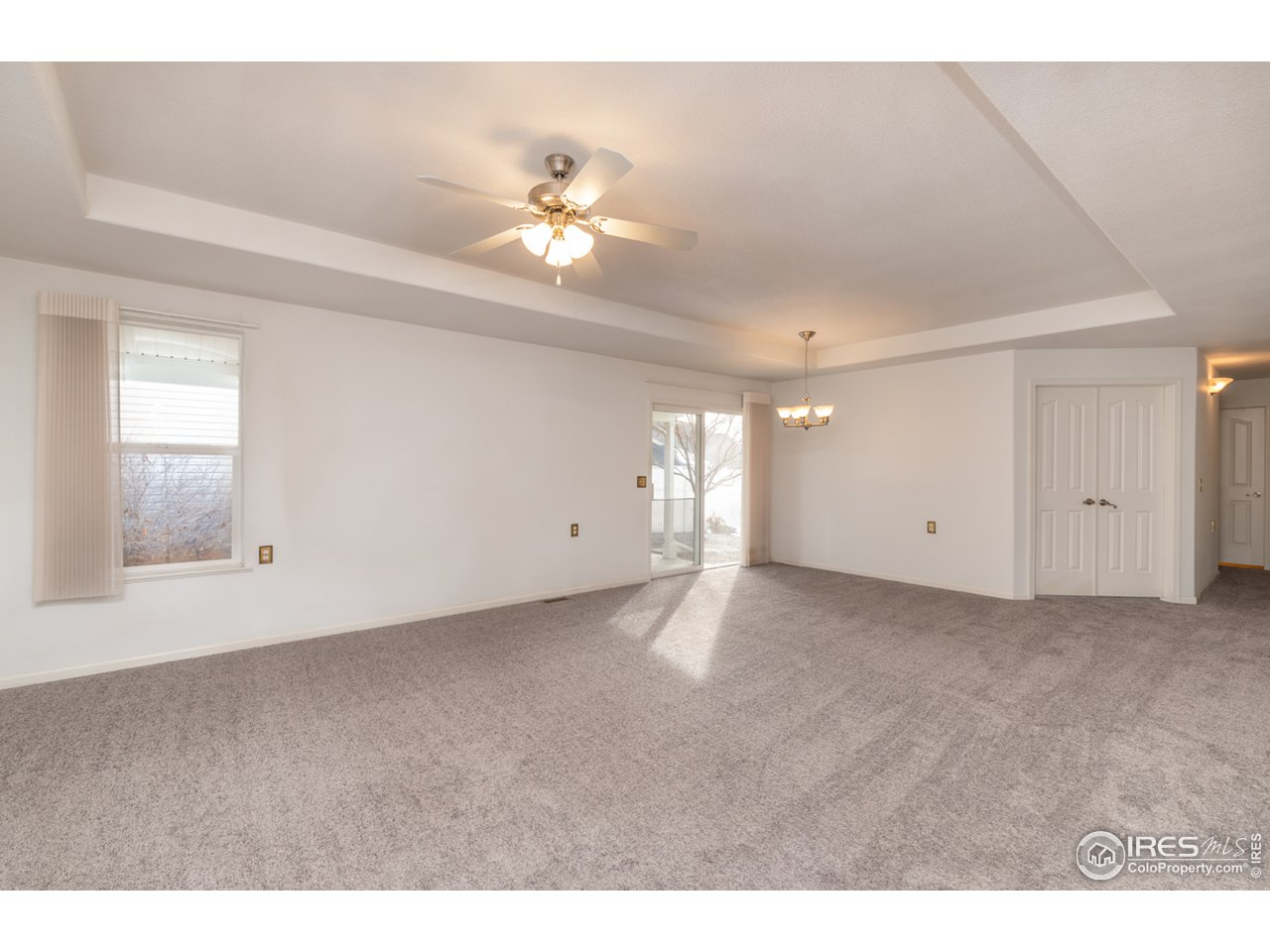 Combined living/Dining room space