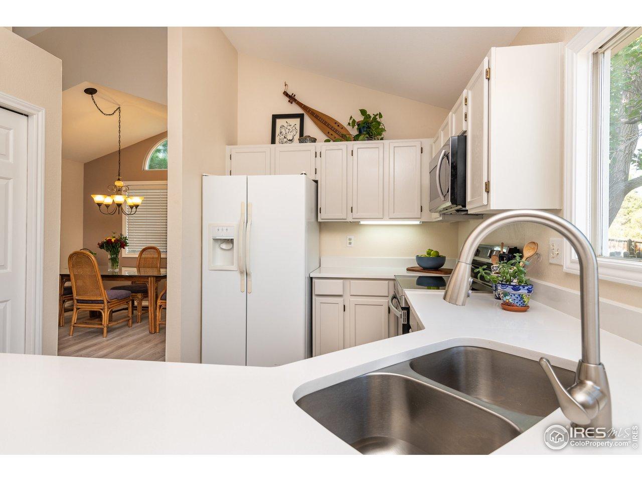 New quartz kitchen counter