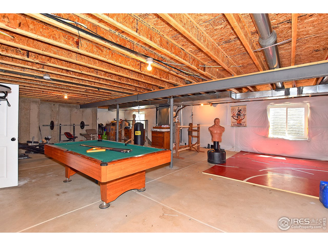 AMZING POSSIBILITIES FOR BASEMENT