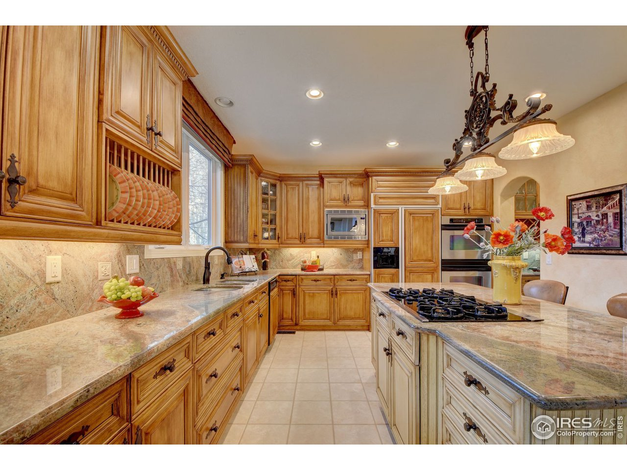 Granite counters and loads of storage